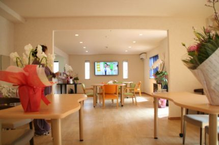 サービス付き高齢者向け住宅 にじの樹(千葉県千葉市中央区)イメージ